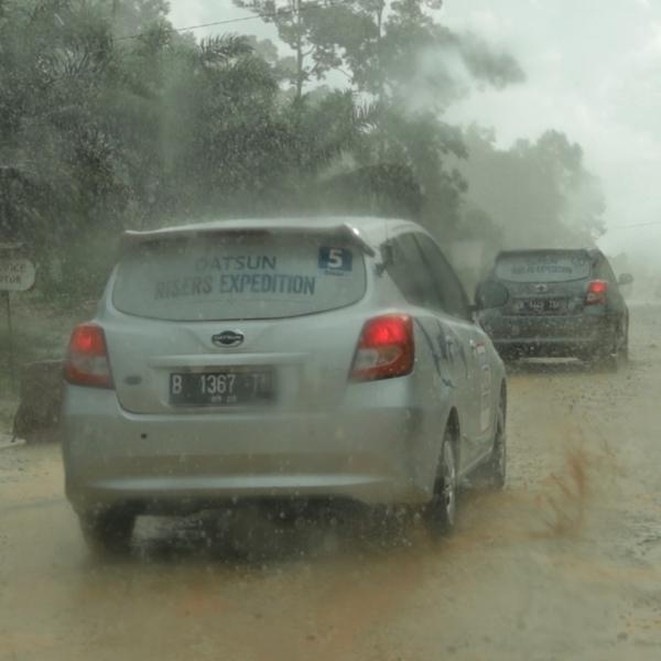 Datsun Tuntaskan Rute Kalimantan
