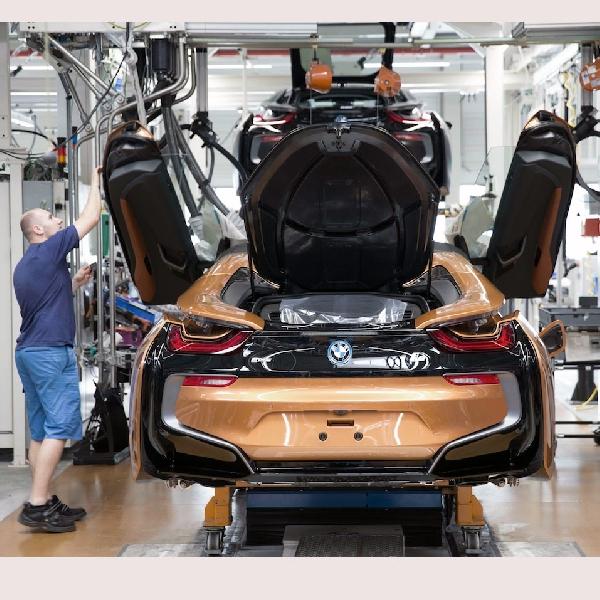 BMW i8 Roadster Mulai Diproduksi