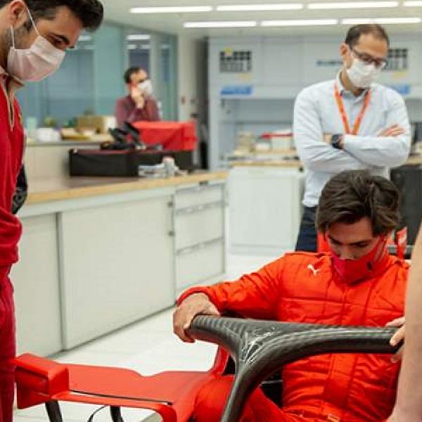 F1: Demi Persiapan Formula 1, Carlos Sainz Jalani Latihan Dengan Simulator Ferrari