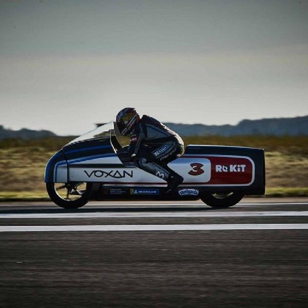 Dengan Voxan Wattman, Max Biaggi Cetak Rekor Kecepatan Tertinggi Dunia