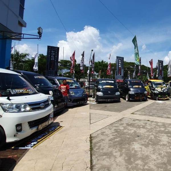 Kontes Modifikasi Daihatsu Warnai IIMS Makassar