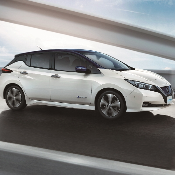 Resmi Diluncurkan - Nissan Leaf dapat Menempuh 400 Km