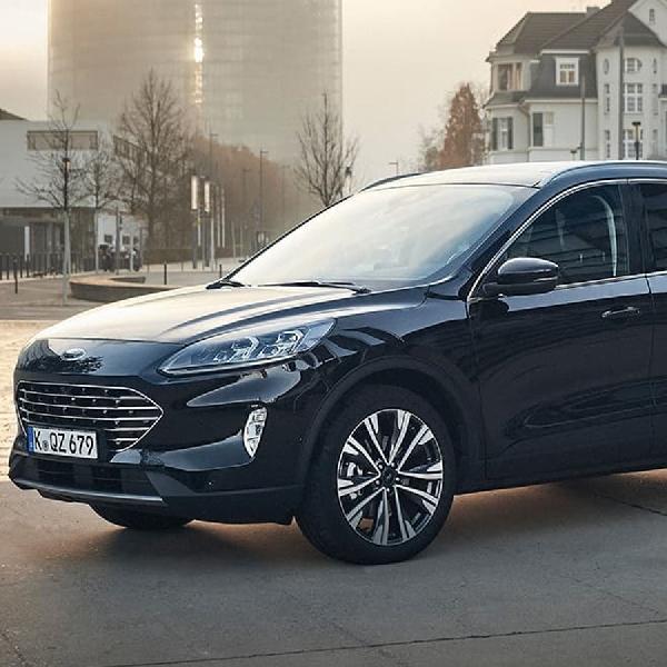Digadang-Gadang Sebagai Mobil 'Hemat', Ford Escape Hybrid Muncul ke Publik
