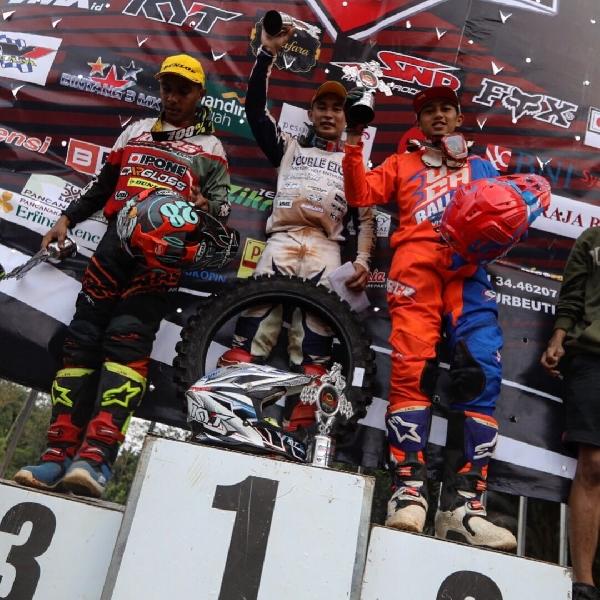 Raih Posisi Kedua - Diva Ismayana Taklukan Motocross 2017 seri 5 Ciamis