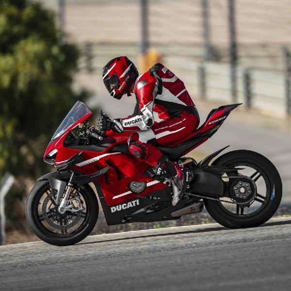 Superleggera V4, Superbike Nan Liar dan Ringan Siap Anda Pinang