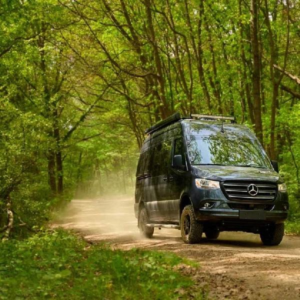 Kala Camper Van Sedang Booming di Amerika Serikat, Mercy   Sprinter 4x4 Didesain Menarik untuk Adventure