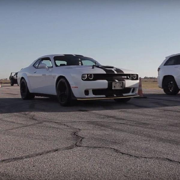 Drag Race Antara Mesin Hellcat  versus  TrackHawk, Siapa Pemenangnya?