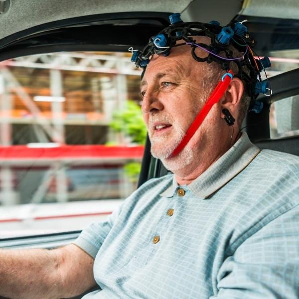 Mengemudi Kendaraan Listrik Ternyata Mengurangi Stres