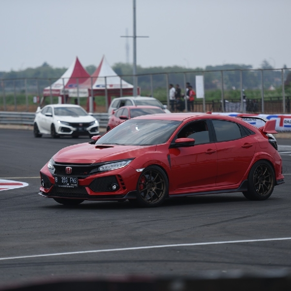Puluhan Honda Civic Type R Jajal Sirkuit BSD City