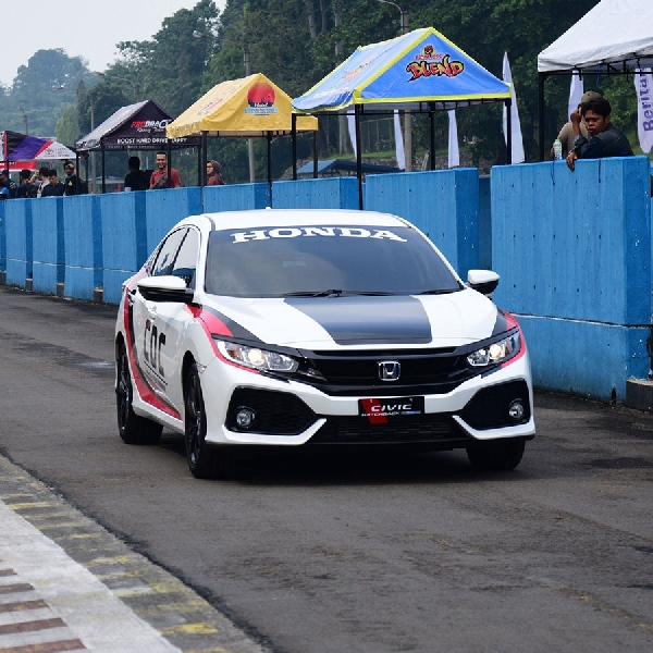 Honda Civic Hatchback Turbo Jadi Official Car Balap IRS 2018