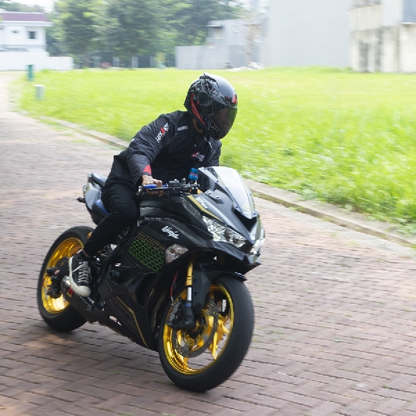 Modifikasi Kawasaki ZX-25R, Ganteng Buat Kontes Garang buat Freestyle