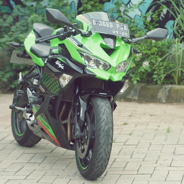 Kawasaki ZX-25R ABS SE, Daily Sportbike with WSBK  DNA