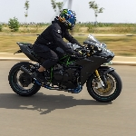 Kawasaki Ninja H2 Supercharged, Street Racing Addict