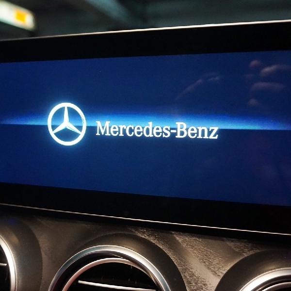 Mercedes-Benz C300 Final Edition, Interior Nyaman Nan Sporty