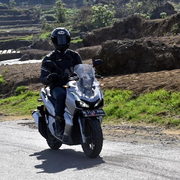 Honda ADV 150 Tetap Asyik Dikendarai Jarak Jauh