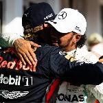 Hamilton Menikmati Duelnya dengan Verstappen Sampai Akhir