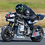 Zef Eisenberg dari tim MADMAX, Pecahkan Rekor Motor Listrik Tercepat di Dunia