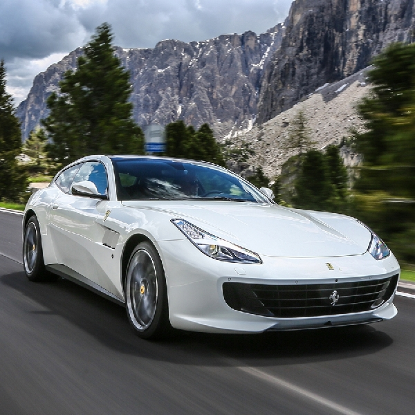 Ferrari Hentikan Produksi GTC4Lusso