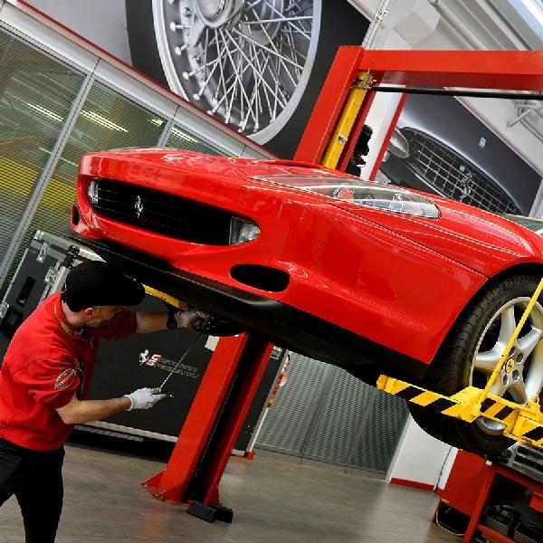 Layanan Perawatan Premium Mobil Ferrari  untuk Kedamaian Maksimum