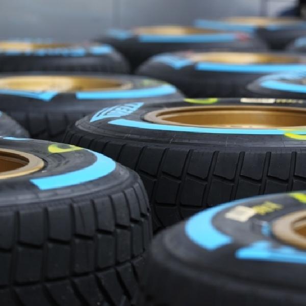 F1: Ferrari, Red Bull dan McLaren Terpilih Untuk Uji Ban Basah Pirelli