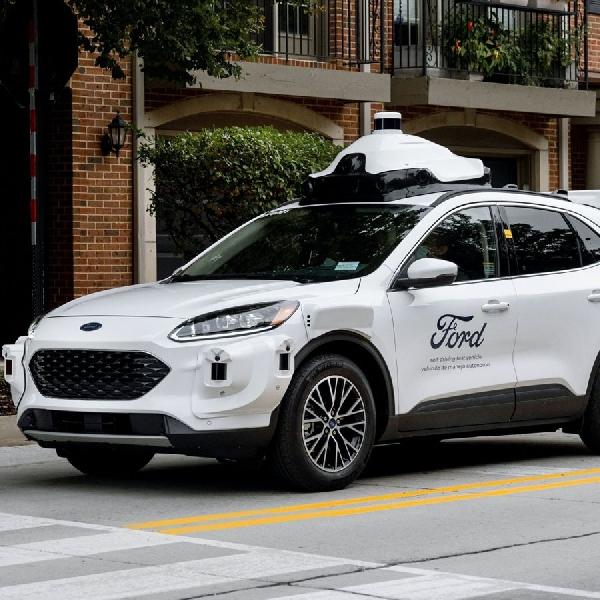 Lebih Canggih, Ford Perkenalkan Mobil Self-Driving Generasi ke-4 Berbasis Escape Hybrid