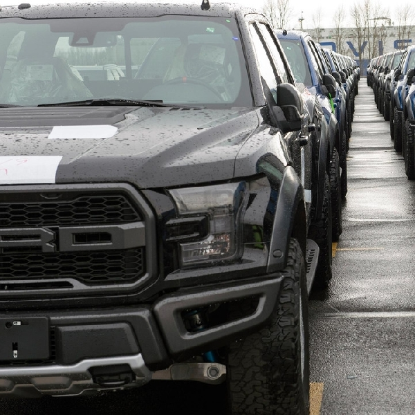 Ford F-150 Raptor SuperCrew Mulai Lakukan Perjalan Ke China