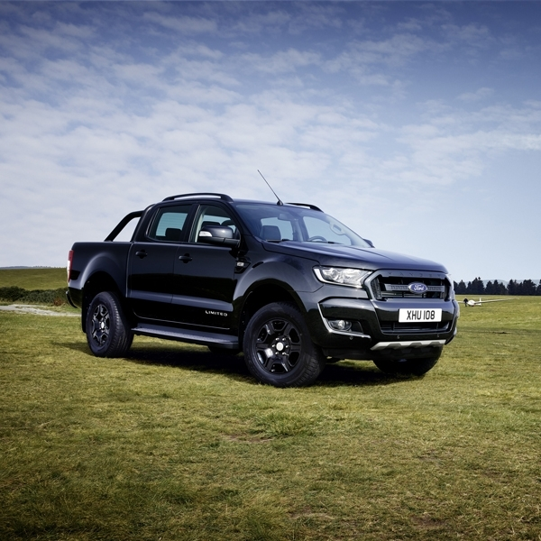 Ketangguhan Ford Ranger Black Edition