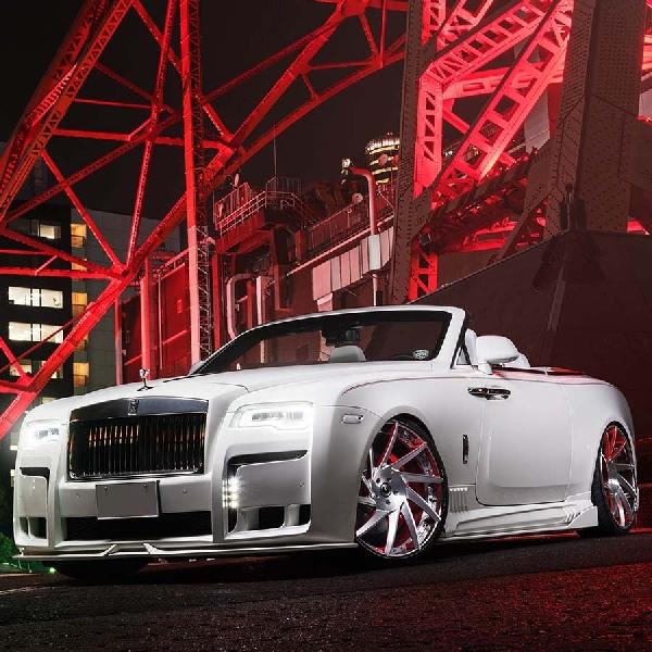 Rolls-Royce Dawn Ini Menunjukkan Ceper Itu Bisa Cantik