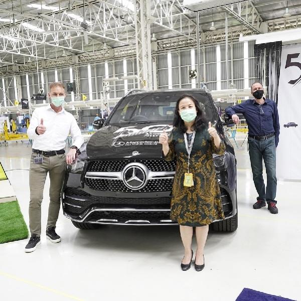 Perjalanan Mercedes-Benz di Indonesia Selama 50 Tahun