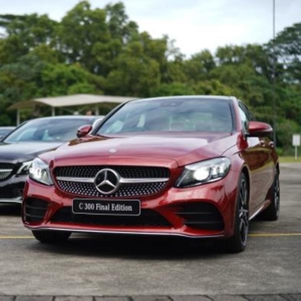 Mercedes-Benz Rilis Dua C-Class Final Edition, Last But Not Least