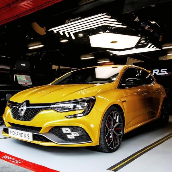Renault Tingkatkan Performa Megane R.S Trophy untuk Lawan Honda Civic Type R