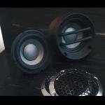 Tim Venom  Kembangkan Home Service dan Plug And Play Mobil Eropa