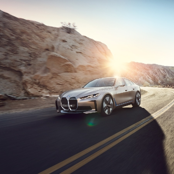 Harmonisasi Suara dari BMW i4 Concept