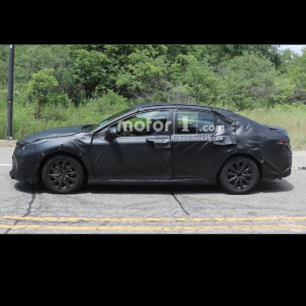 Generasi Baru Toyota Camry Mulai di Ujicoba