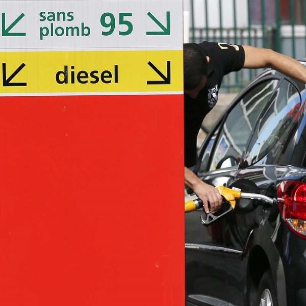 Provinsi Ini Akan Hapuskan Izin Penjualan Kendaraan Pembakaran Internal