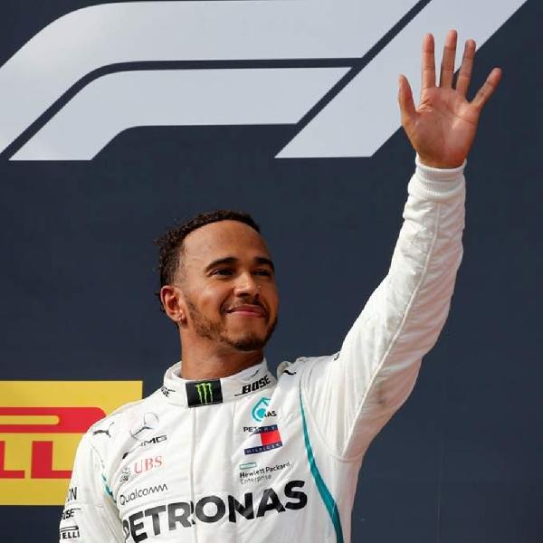 Lewis Hamilton Resmi Perpanjang Kontrak di Mercedes