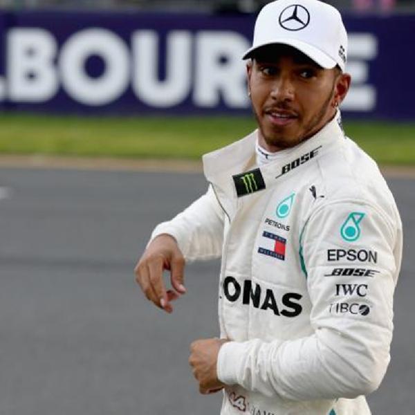 Hamilton Sempat Ragukan Kondisi Mesin Mobilnya