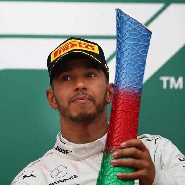 Hamilton Selamatkan Prestasi Mercedes di Azerbaijan