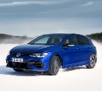 Handal Berselancar di Jalan Licin, Inilah Volkswagen Golf R 2022