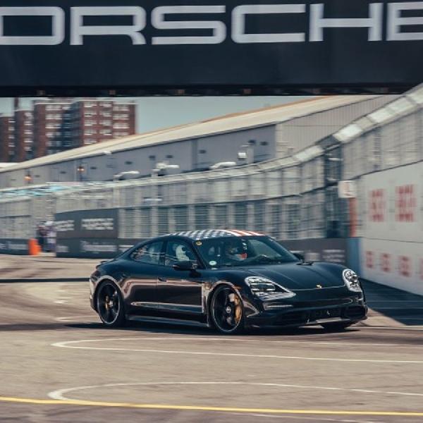 Porsche Uji Coba Taycan di Formula-e