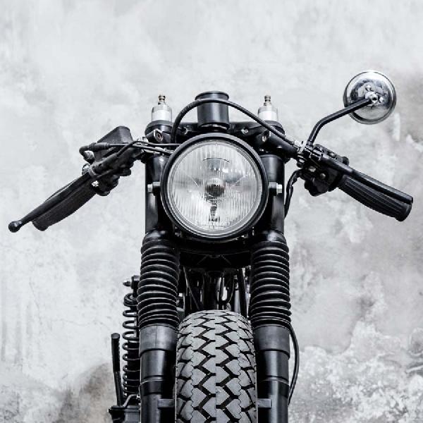 Hasil Bongkar Bangun Honda CG125 Menggunakan Komponen Moto Guzzi dan Ducati
