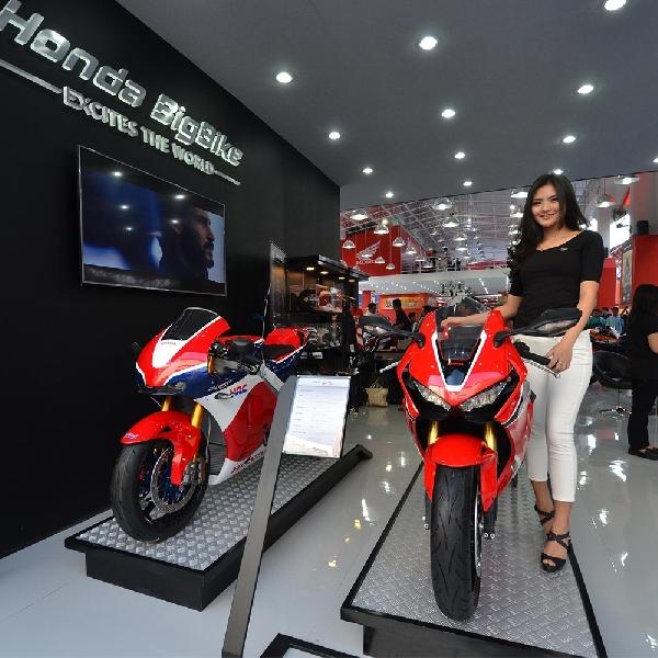 Sensasi Balap Dengan Honda RC213V-S