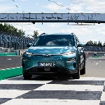Hyundai Kona Electric Diklaim Mampu Tempuh Jarak 997 Km Sekali Pengisian