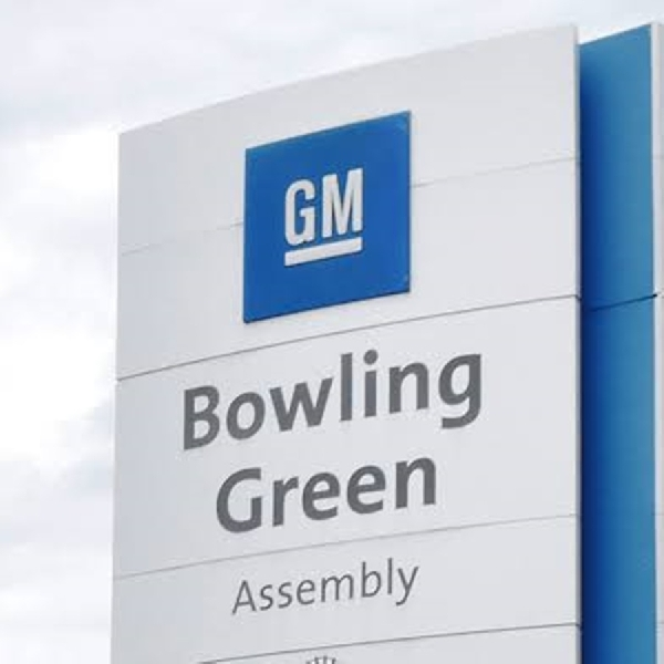 GM dan FCA Beli Sertifikat Emisi Tesla