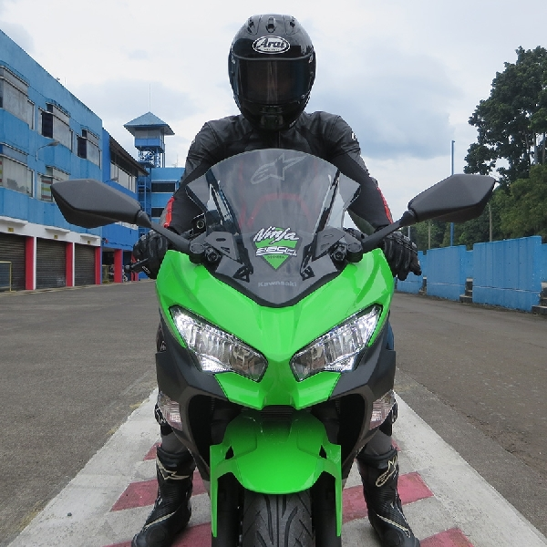First Ride All New Kawasaki Ninja 250