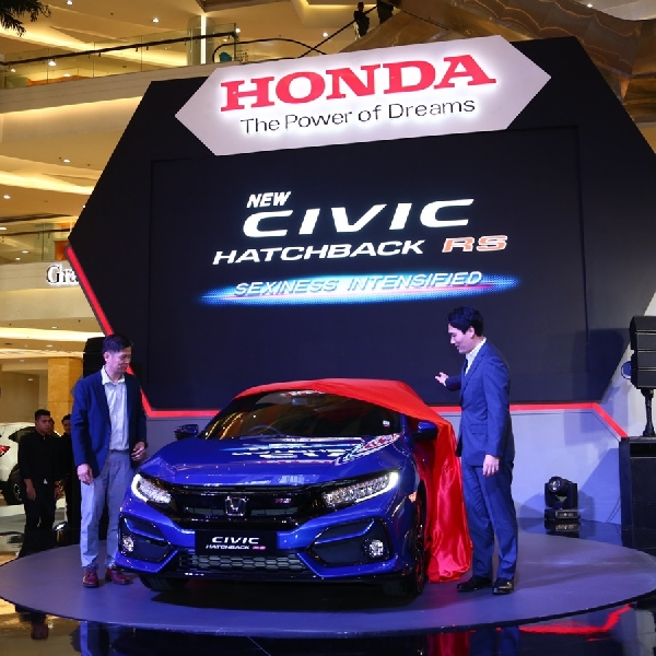 Dapat Emblem Baru, Apa Saja Kelebihan New Honda Civic Hatchback RS?