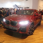 Menyetir Lincah dengan BMW X4 xDrive30i M Sport X