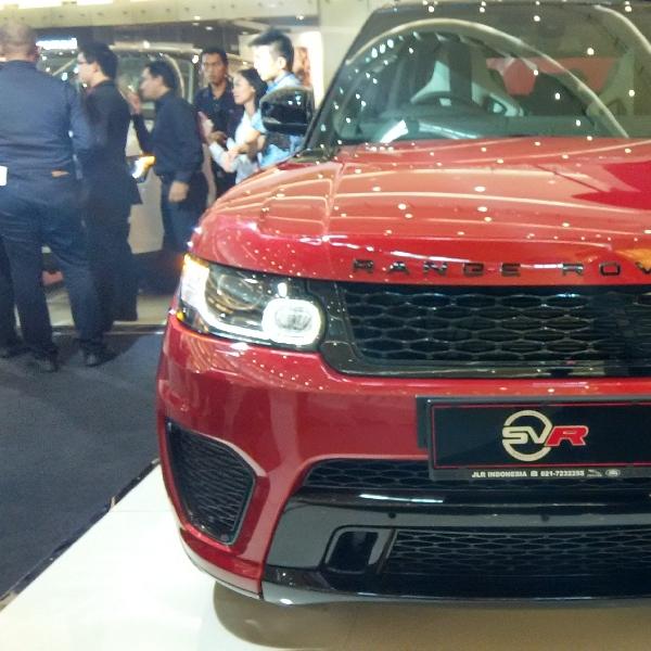 Jaguar Land Rover Hadirkan SUV Teranyar Range Rover SVR