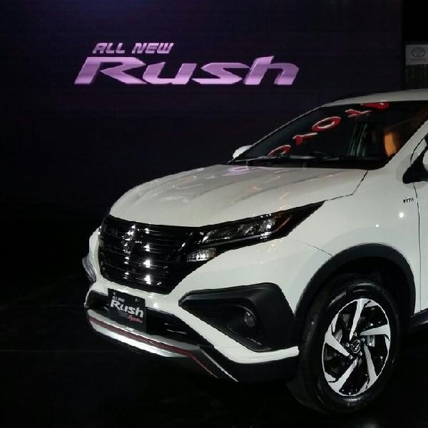 All New Toyota Rush Dekatkan Diri dengan Pelanggan Lewat Pameran