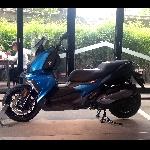Test Drive BMW C400X :  Berselancar Lincah di Keramaian Kota
